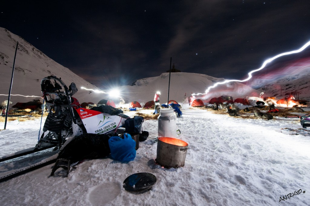 LA GRANDE ODYSSEE 2013 -  bivouac polaire col du Mont Cenis