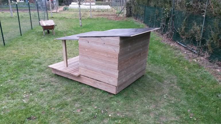 niche en bois pour grand chien free niche pour chien maisons originales pour votre toutou with. Black Bedroom Furniture Sets. Home Design Ideas