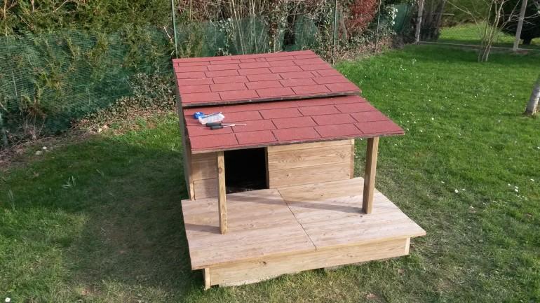 fabriquer soit m me une niche pour chien en bois avec. Black Bedroom Furniture Sets. Home Design Ideas