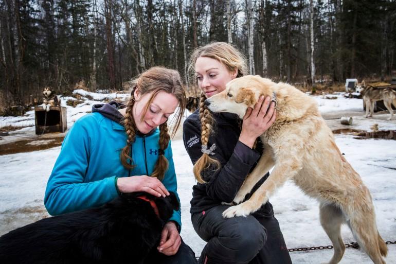Les soeurs jumelles Anna and Kristy Berington