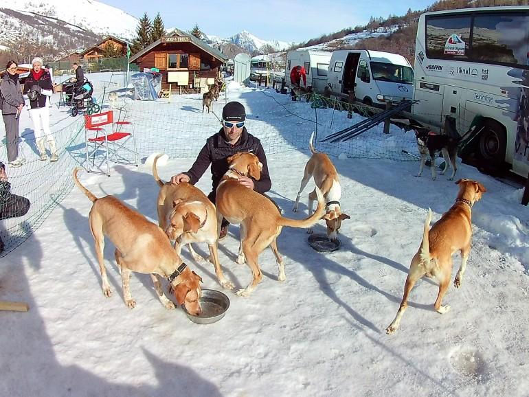 Rémy Coste avec ses chiens