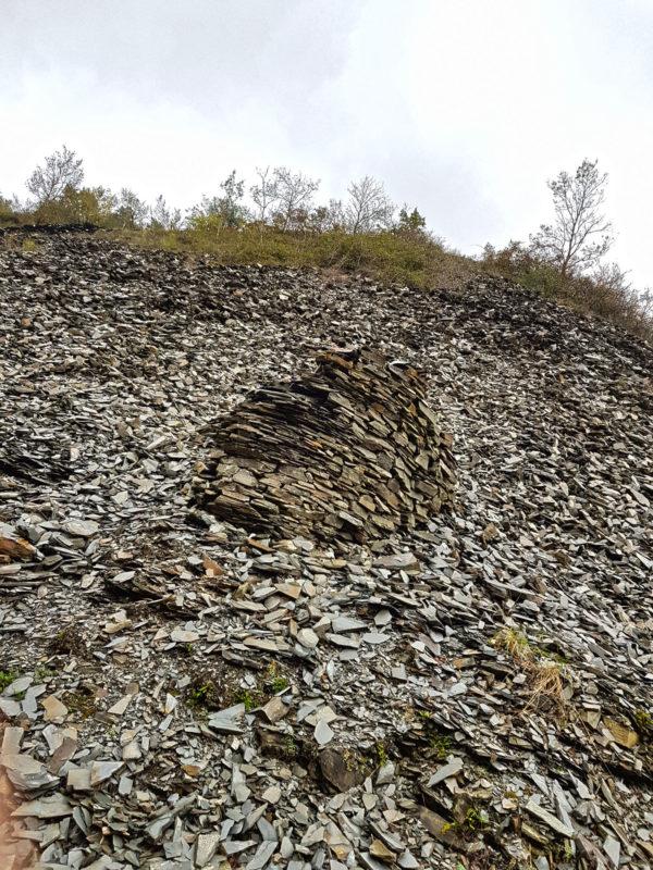 nature outdoor monticule pierre ardoise
