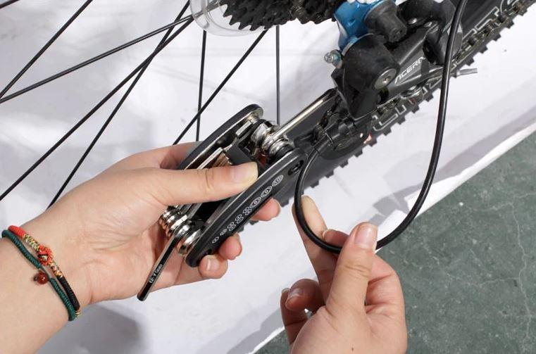 outils multifonction reparation vtt canivtt plaquettes freins