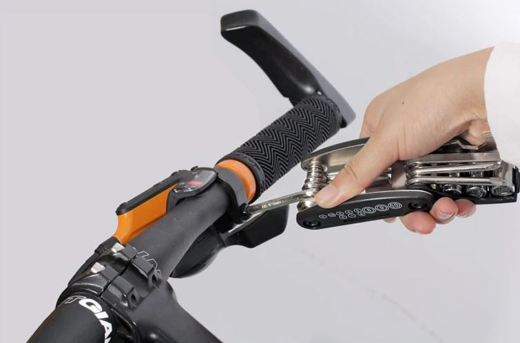 outils multifonction reparation vtt canivtt tournevis
